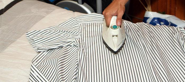 Cách tẩy keo ống nhựa pvc trên quần áo
