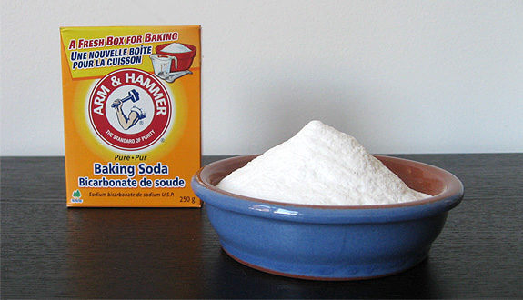 tẩy rỉ sét bằng baking soda